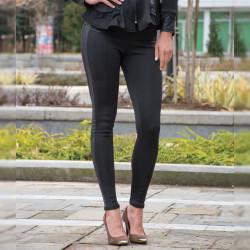 Стилен дамски клин с кант в черен цвят