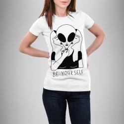 Дамска тениска с щампа ''Be your self''