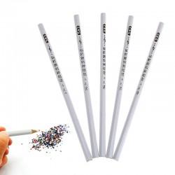 Восъчен молив за прецизно поставяне на камъчета върху нокти