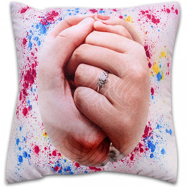 Пухкава декоративна възглавница ''Hands Valentines Day''